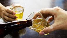 Bebida é usada como válvula de escape para dificuldades e problemas familiares