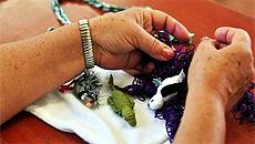 Entre as tarefas cognitivas simples estão as costuras, como o tricô e o crochê