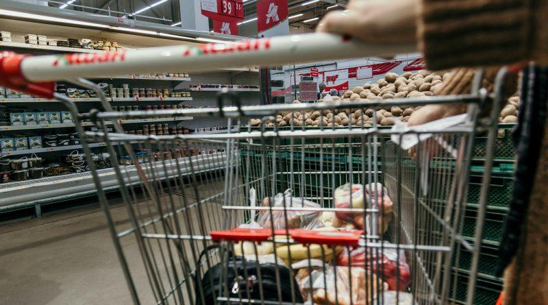 A elitização do acesso à comida saudável no Brasil