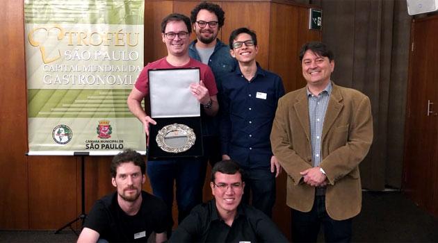 Alunos do CJE ganham mais um prêmio de rádio