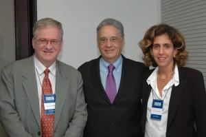 """Zago, Presidente Fernando Henrique, Lygia V. Pereira, durante seminário sobre """"Células Tronco"""" no Instituto FHC, 2004"""