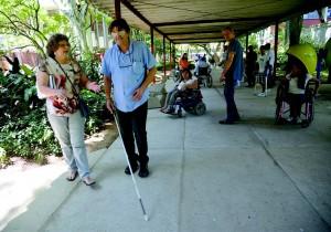 Em seminário da Comissão Permanente de Acessibilidade da Prefeitura de São Paulo, participantes encaram barreiras a deficientes físicos
