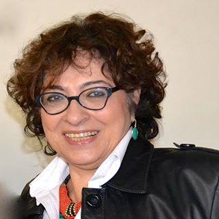 """""""A exposição pública, hoje, pesa mais no indivíduo"""", afirma Elizabeth Saad, professora da ECA"""