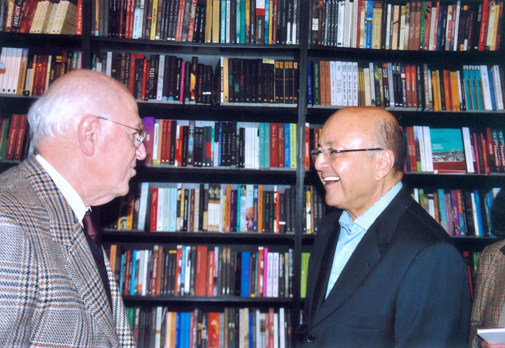 Pastore conversa com Maílson da Nóbrega, economista e ministro da Fazenda durante o governo de Sarney