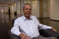 """Já aposentado, Teixeira continua presente na USP. """"É um laço muito forte"""", afirma  Foto Francisco Emiolo"""