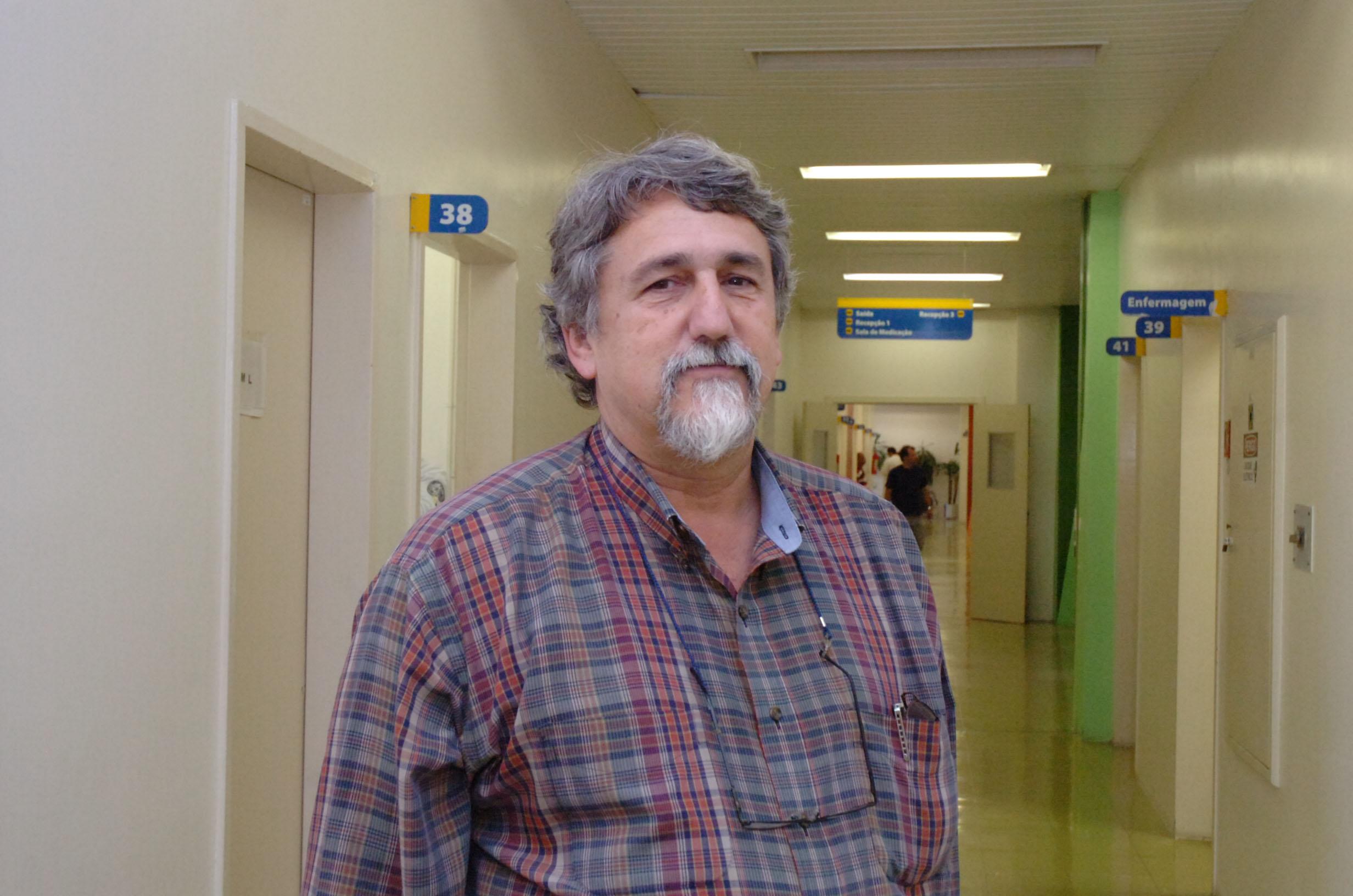 João Paulo Becker Lotufo é coordenador do grupo antitabágico do HU e criador do projeto Dr. Bartô – e os Doutores da Saúde, que previne o consumo de drogas lícitas por crianças e jovens. Foto: Francisco Emolo