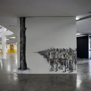 Obra de Prabhakar Pachpute, autor do desenho do cartaz de divulgação, ainda em construção no prédio da Bienal. Foto: Pedro Ivo Trasferetti/Fundação Bienal