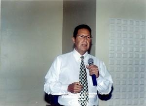 Palermo discursa durante a 1ª Convenção Nacional de Vendas da Intervet, em março de 2000