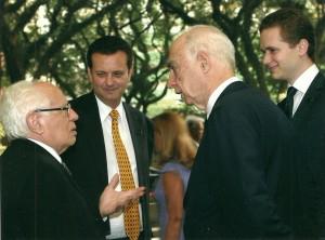 O professor quando secretário do Meio Ambiente em 2006, ao lado do ex-prefeito de São Paulo Gilberto Kassab, e do ex-governador do Estado de São Paulo Cláudio Lembo