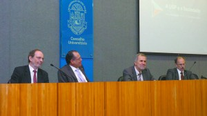 Da esquerda para a direita: Hernan Chaimovich, Glaucius Oliva, Luiz Nunes de Oliveira e Glauco Antonio Truzzi Arbix