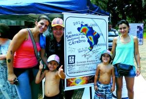 Durante a III Semana Nacional do Cérebro, no evento S.O.S: O Cérebro na Praça, realizado em Ribeirão Preto em 2014