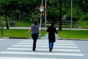 Os planos da Prefeitura do Campus também incluem melhorias para os pedestres, por meio da reforma de calçadas