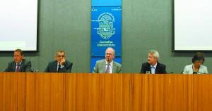 Encontro que reuniu dirigentes para discussão do plano de metas da Universidade para o ano de 2015