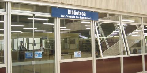 Poli – Biblioteca